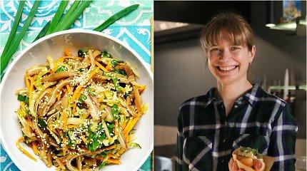 """""""Bulvių košės"""" receptas: azijietiškos kiaulių ausų ir daržovių salotos"""