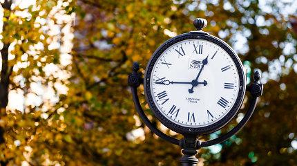 15min paaiškina: kas keisis Lietuvai pasirinkus vasaros arba žiemos laiką