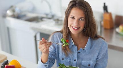 Kaip išvengti ligų valgant tik augalinį maistą? Dietologės patarimai