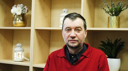 Psichosocialinę negalią turintis Ruslanas dirba, kuria ir ruošiasi parodai: trūksta tik šeimos