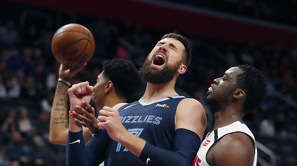"J.Valančiūnas strigo puolime, bet ""Grizzlies"" Detroite surado pergalės raktą"