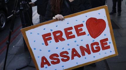 """Britų teisėja nesutiko paleisti """"WikiLeaks"""" įkūrėjo Juliano Assange'o už užstatą"""