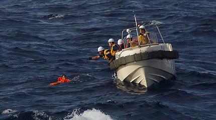 Prie Palau krantų apvirto japonų laivas, dingo septyni žmonės