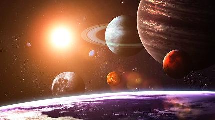 Kas nutiktų, jei į kiekvieną Saulės sistemos planetą paleistume po kamuolį?