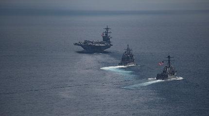 JAV karinio laivyno laivas perplaukė Taivano sąsiauriu po naikintuvų pardavimo Taibėjui