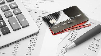Seimas linkęs įpareigoti išmokas darbuotojams mokėti tik į sąskaitą