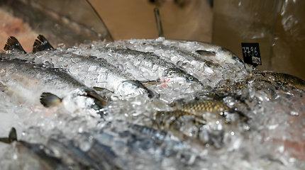 Didžiuosiuose prekybos tinkluose nebeliko gyvos žuvies