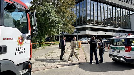"""""""Skydas"""" prie Operos ir baleto teatro: evakuota 100 žmonių, sulaukta """"Aro"""" verdikto"""