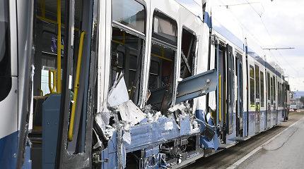 Ciuriche susidūrus sunkvežimiui ir tramvajui sužeista 14 žmonių