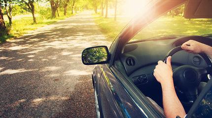 Vairas sukasi sunkiai? Laikas tikrinti vairo stiprintuvo skystį