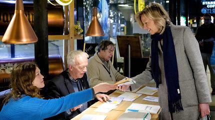 Olandai balsuoja vietos rinkimuose ir referendume dėl internetinio šnipinėjimo