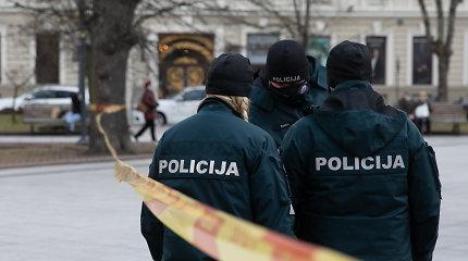 Kupiškio rajone siautėjo chuliganai: degino, laužė ir įsibrovė į patalpas