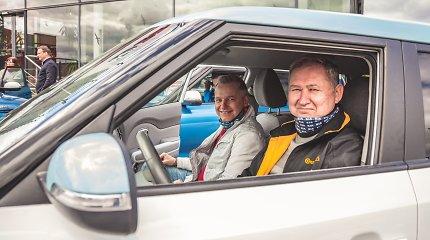 """Lenktynių sezonas jau prasidėjo: ištvermės važiavime varžėsi vienodi """"Kia Soul"""" elektromobiliai"""