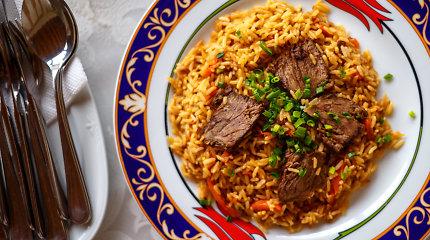 Savaitgalis – gera proga ant laužo gaminti uzbekišką plovą. Receptas