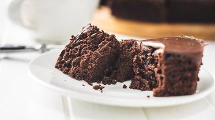Neįprastas, bet gardus šokoladinis pyragas: sodrumo suteiks ruginiai miltai