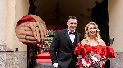 """N.Bunkė parodė vestuvinius žiedus: """"Su Edgaru iškart žinojome, kokių norėsime"""""""