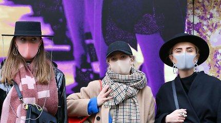 """Lietuvių dizainerių """"kaukėtas"""" įvaizdis Londono mados savaitėje nuvilnijo per visą pasaulį"""