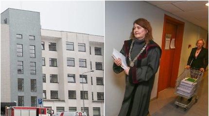 Per korupcijos skandalą nušalinto R.Rainio byla: teisiamieji streikuoja, naująją teisėją išvežė greitoji