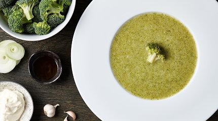Gardi ir pikantiška sriuba vos per 20 minučių: brokolių su mėlynojo pelėsio sūriu