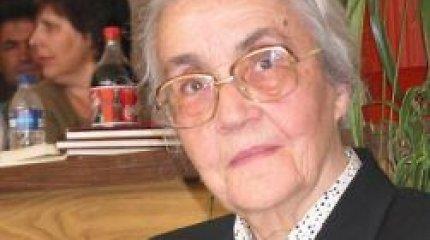 Sulaukusi 99 metų mirė Albanijos diktatoriaus našlė Nexhmije Hoxha