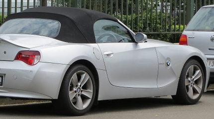Kuo ypatinga pirmoji BMW Z4 karta? Dizaino elementas, kurio nerasite net naujausiame modelyje