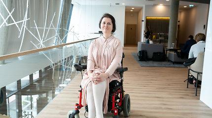 VRK užsakyti debatai prieinami ne visiems: neįgali kandidatė į patalpas nepateko