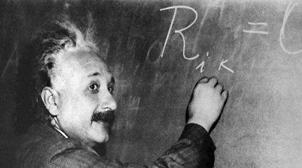 Prieš 100 metų paskelbta Einsteino reliatyvumo teorija atlaikė laiko išbandymą