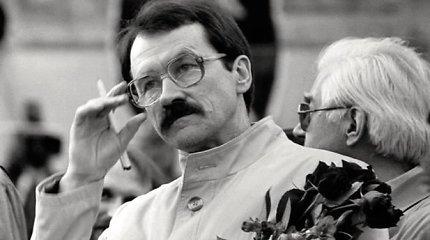 Vilniuje atidengiama atminimo lenta signatarui, filosofui R.Ozolui