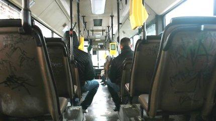 Staigiai stabdomame autobuse kritusi ir susižeidusi klaipėdietė prisiteisė 1000 eurų