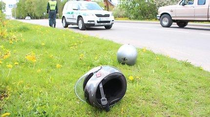 Sostinėje pasipylė avarijos: susidūrė 6 automobiliai, nukentėjo motorolerio vairuotojas