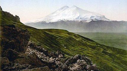 Ant Elbruso rasti balandį dingusių alpinistės ir jos vedlės kūnai