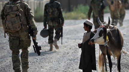 Afganistano prezidentas sako pasikalbėjęs su J.Bidenu apie JAV karių išvedimą