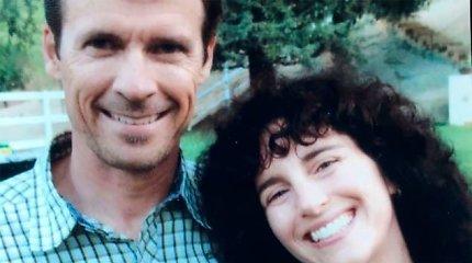 Pora, kuri įsimylėjo lėktuve