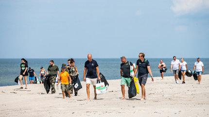Buriuotojai tvarkė paplūdimius: atliekų kiekiai neleidžia atsipalaiduoti