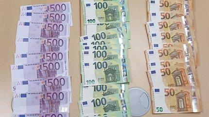 Radinys pasienyje: Rusijos piliečio piniginė ir kišenės buvo prikimštos banknotų