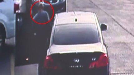 Vagis Amerikoje nuvarė automobilį iš parduotuvės, kurioje paliko dokumentus
