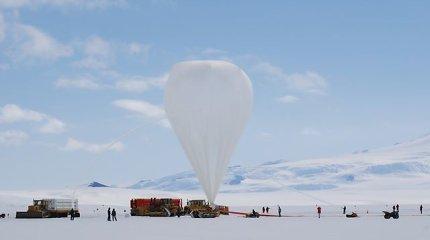 Antarktidoje rastos dalelės, kurių prigimties fizikai paaiškinti negali