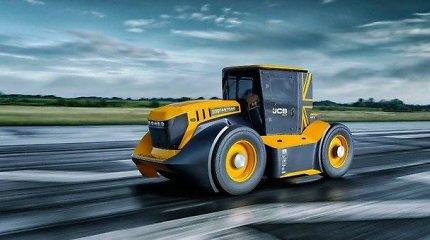 """Kai prireikia parašiuto: 1000 AG traktorius """"Fastrack Two"""" pasiekė neįtikėtiną Guinnesso rekordą"""