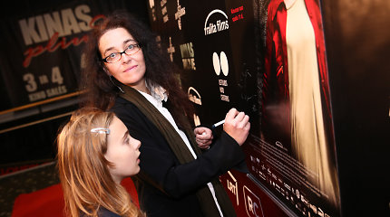 """Filmo """"Vardas tamsoje"""" režisierė Agnė Marcinkevičiūtė: """"Įdomu, ar žmonės pamirš savo rūpesčius ir ateis įvertinti mano kūrybos"""""""