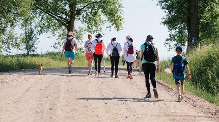 """Pirmą kartą pėsčiųjų žygyje dalyvavusi Beata Nicholson: """"Eiti – reiškia gyventi"""""""
