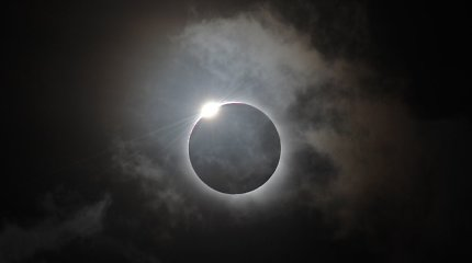 Kai diena virsta naktimi: kada visišką Saulės užtemimą pamatysime ir Lietuvoje?