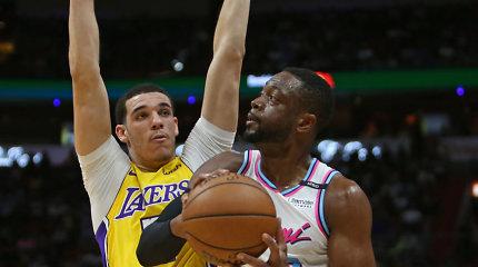 """Universaliam Lonzo Ballui – D.Wade'o ir """"Lakers"""" trenerio komplimentų lietus"""