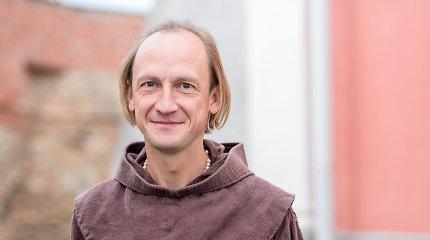 Pas kunigą E.Darulį vyksta iš visos Lietuvos – grąžina viltį sergantiems vėžiu