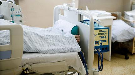 Skaudūs kaltinimai medikams: tėvą iš ligoninės išleido neatpažįstamai išsekusį