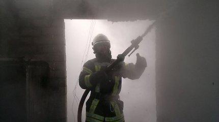 Kėdainių rajone tiriamas buvusios mokyklos pastato padegimas