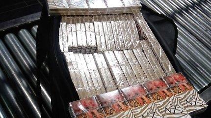 Vilniaus oro uoste – 40 lagaminų su slaptais kroviniais