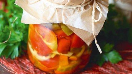 Skubame konservuoti: stiklainiuose – moliūgai, paprikos, obuoliai ir morkos