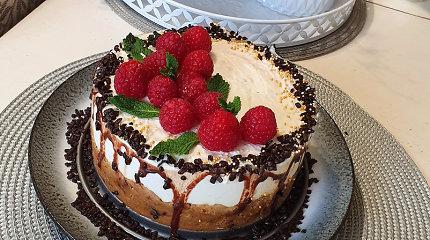 Draugiškas figūrai nekeptas Giedrės avietinis tortas: pirštelius aplaižysite