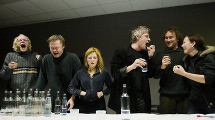 """Reakcija po Oskaro Koršunovo """"Dugne"""" užsienyje: tai vienas ryškiausių festivalio įvykių"""