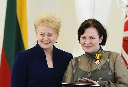 VMT archyvo nuotr./Eglė Gabrėnaitė su Dalia Grybauskaite